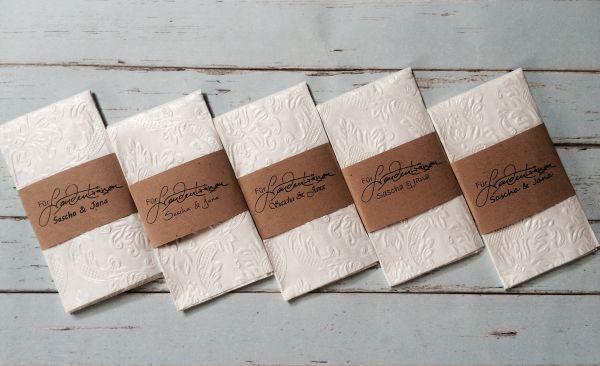 Für Freudentränen Taschentücher personalisiert