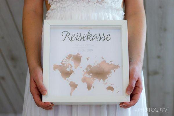 """Geldgeschenk """"Reisekasse"""" mit Öffnung für Geld oder liebe Wünsche (Maße 23x23 cm)"""